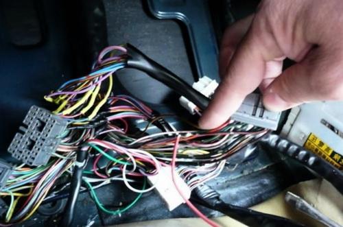 Как решить проблемы с электрикой в автомобиле